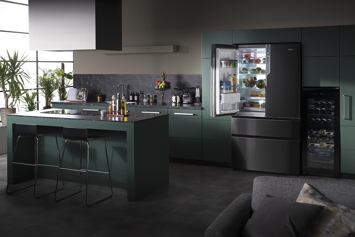 Combi MultiDoor Iconic Black
